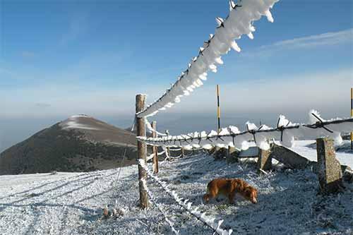 Clima invernale sul monte Catria.